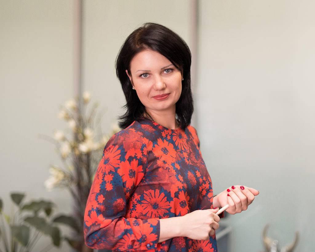 Юлия<br>Ушакова